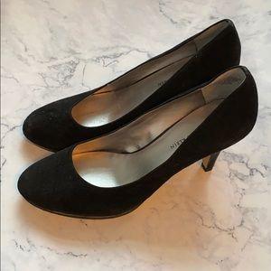 Anne Klein Black Suede Heels 7.5 Worn Once